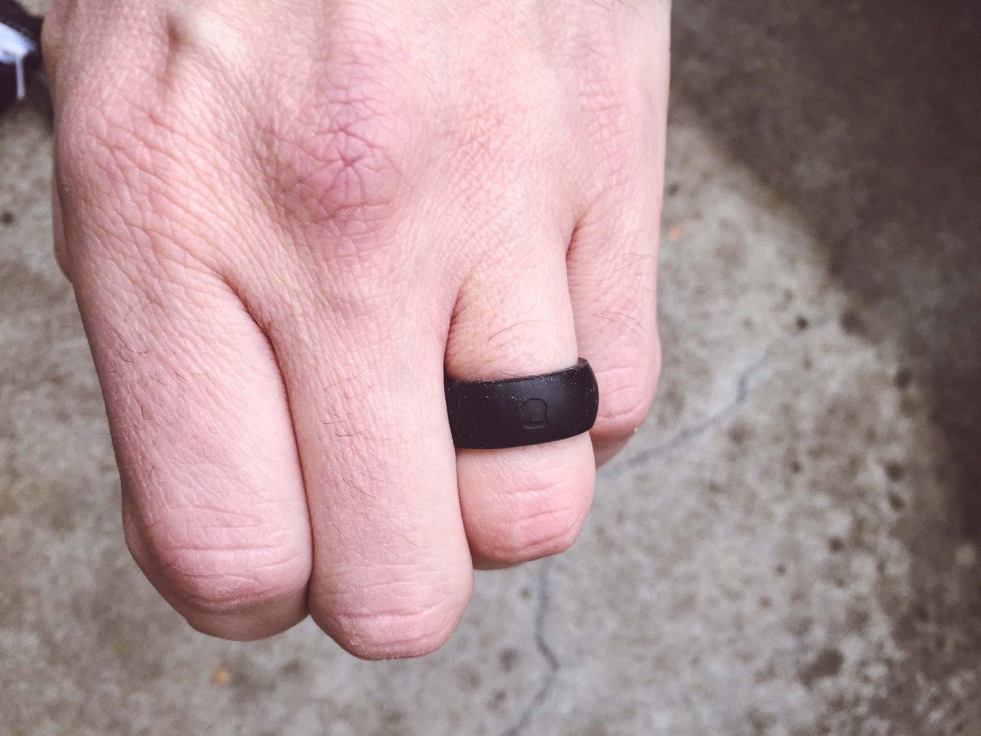 Qalo - Black Ring 2
