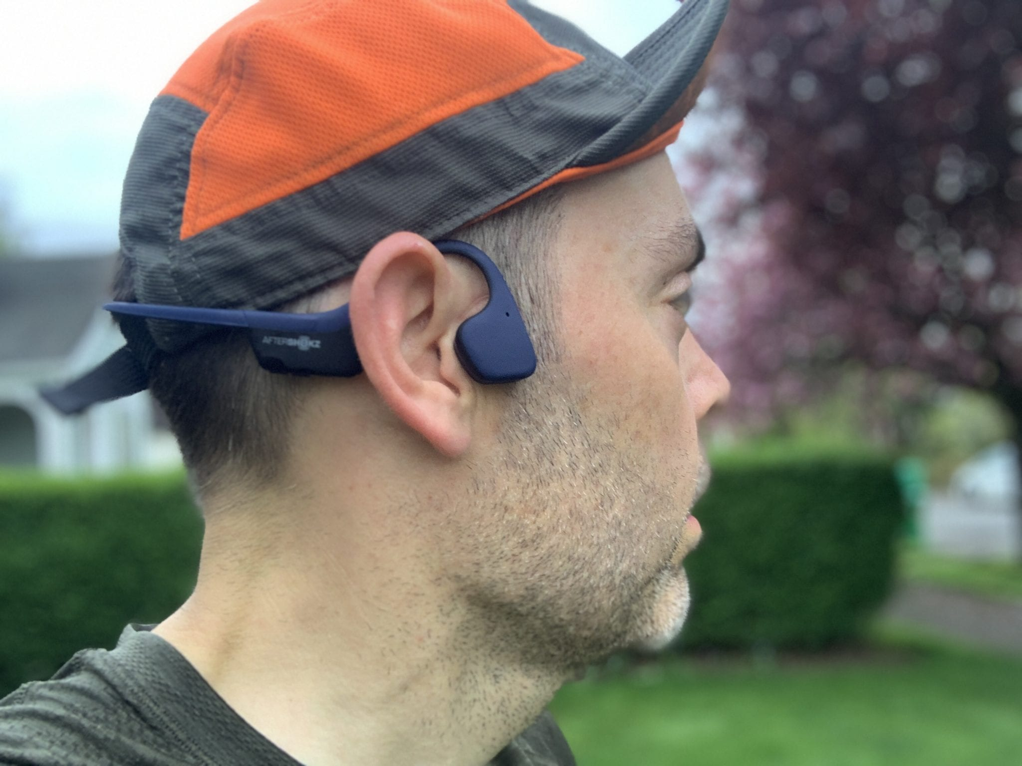 A view of the Aftershokz Trekz Air on head