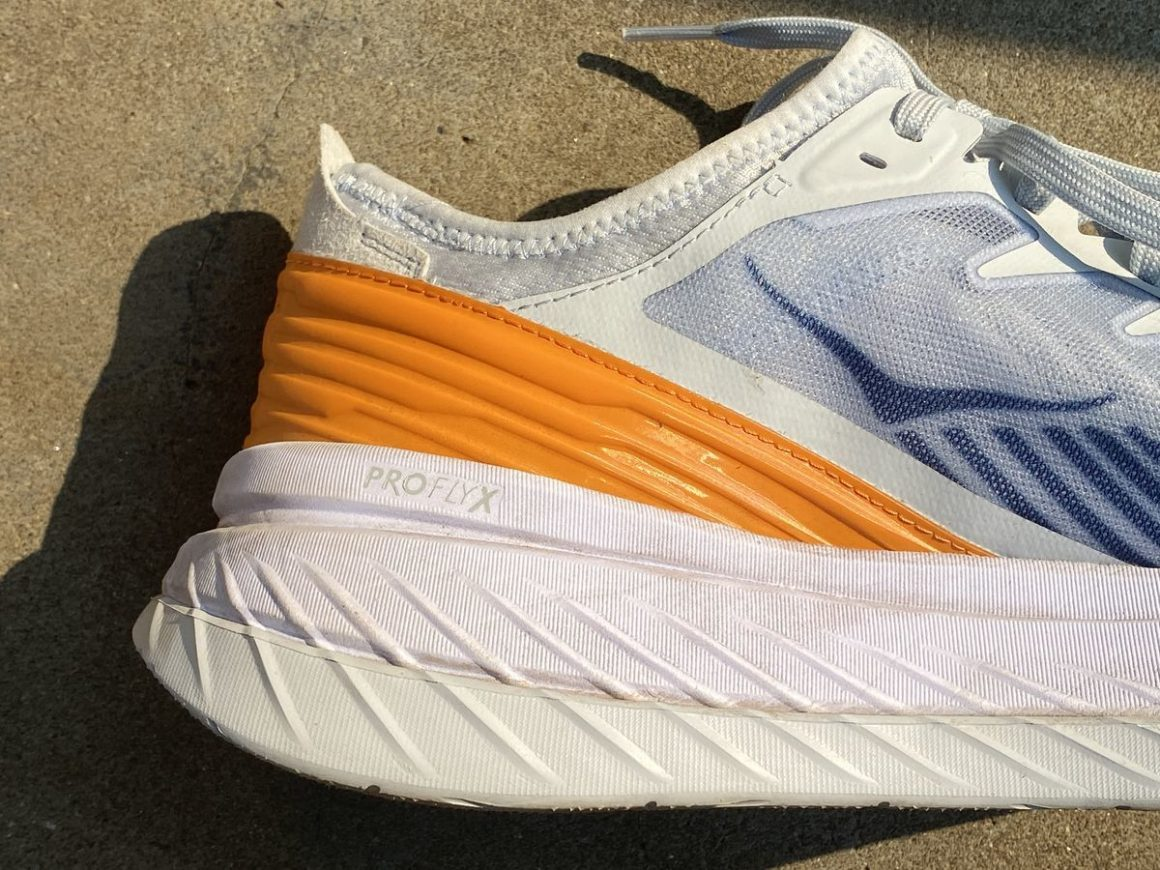 Hoka One One Carbon XSPE 4