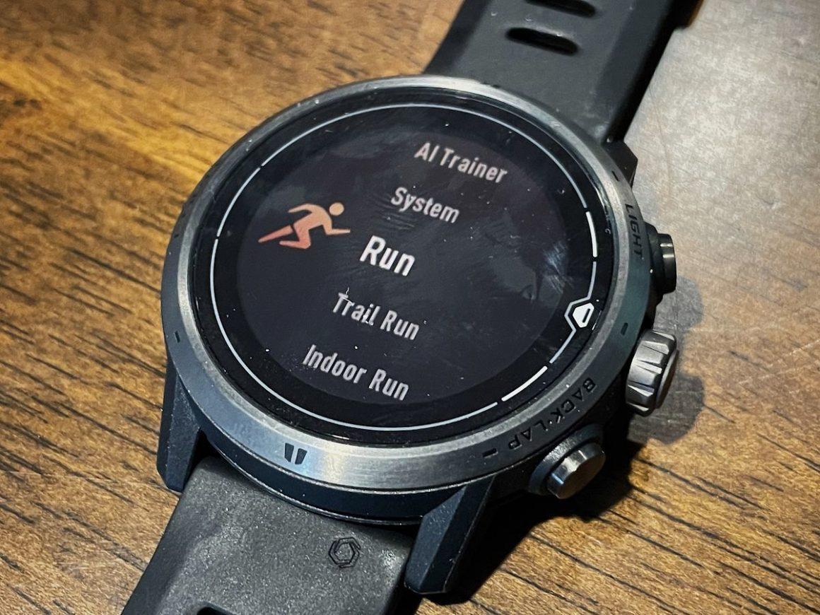 COROS Apex Pro Watch 2